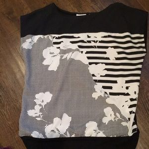 Black and whit floral top.